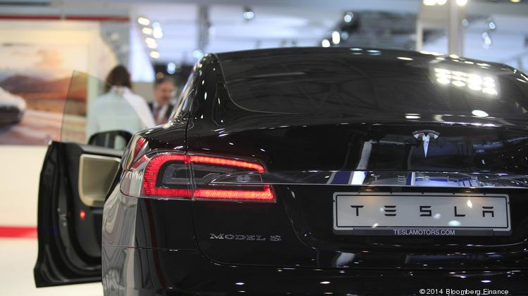 Tesla (NASDAQ:TSLA) shares rallied on Monday after it reaffirmed its plans to release its Model X crossover on time, about a week after the company said it would open source all its patents.