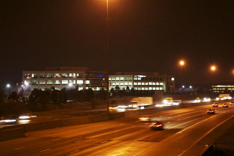 Verizon Wireless is abandoning its office campus off I-270 in Dublin and moving its 1,500 employees there to Hilliard.