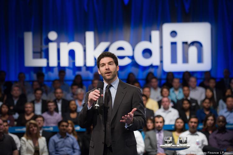 LinkedIn's latest mobile app upgrade allows users to apply for jobs right from their mobile device.