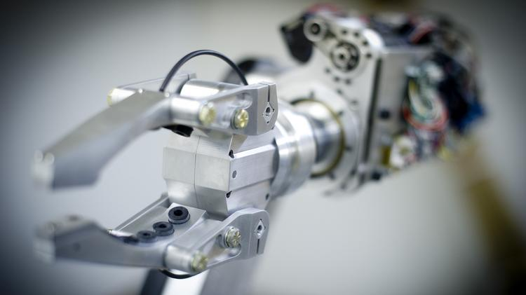 A robot arm similar to this one developed by Pittsburgh-based RE2 could be pruning grapevines in the Napa Valley.