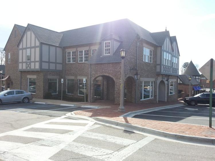 Kahn Properties Inc.'s new retail and office development at 2003 Cahaba Road in English Village has a new tenant, a showroom for Jordan Alexander Jewelry Designer Theresa Bruno.