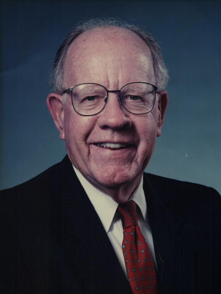 Analysts International founder Fred Lang