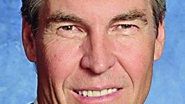 No. 10: Terry Lundgren  Company: Macy's Inc. 2013 compensation: $11,410,721 Pay rank: 8 Performance rank: 1 Score: 7