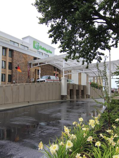 Exterior of Holiday Inn Memphis Airport Hotel and Conference Center