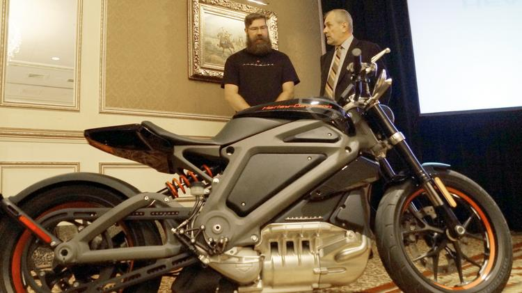 Harley-Davidson chairman, president and CEO Keith Wandell (right)