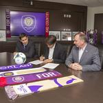 Orlando City officially signs star player <strong>Kaká</strong>