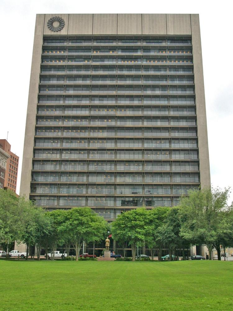 Frost Bank would move out of its current headquarters tower and into a new downtown building if the City of San Antonio accepts a proposal from Frost/Weston Urban.
