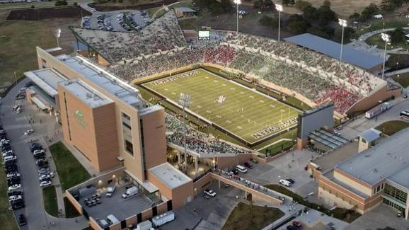 The University of North Texas plans to sell beer on the concourse level of Apogee Stadium at the school's home football games.