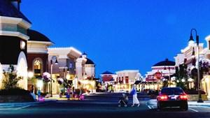 RED Development is selling Woodbury Lakes shopping center for the second time.