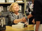 Clinton agrees to turn over private email server
