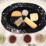 Tasty topics: Cheese conference continues with public tasting, sale