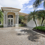 On the market: inside <strong>Chris</strong> <strong>Carpenter</strong>'s country club pad in Florida