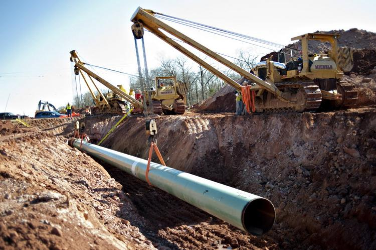 Plains All American Pipeline LP (NYSE: PAA) and Enterprise Products Partners LP (NYSE: EPD) are expanding their Eagle Ford Joint Venture pipeline.