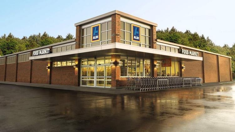 A new consumer poll ranked ALDI ranks first among low-cost grocery chains in the United States.
