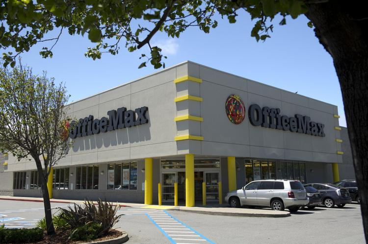 OfficeMax may need prompting to keep its headquarters in Illinois after it merges with Office Depot.