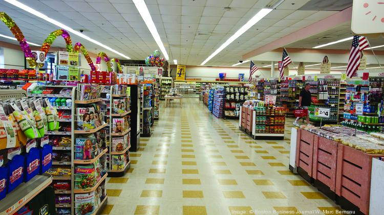 Can you find the customer in this photo taken at the Market Basket store in Billerica's Treble Cove Plaza? Fans are upset over recent changes at the 71-store chain.