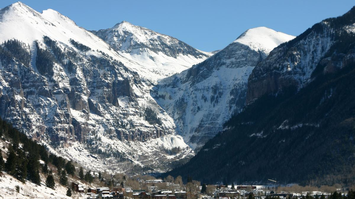 20 growth in winter flights to montrose telluride denver business journal the business journals