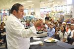 <strong>Emeril</strong> <strong>Lagasse</strong> wows the crowd at Belk