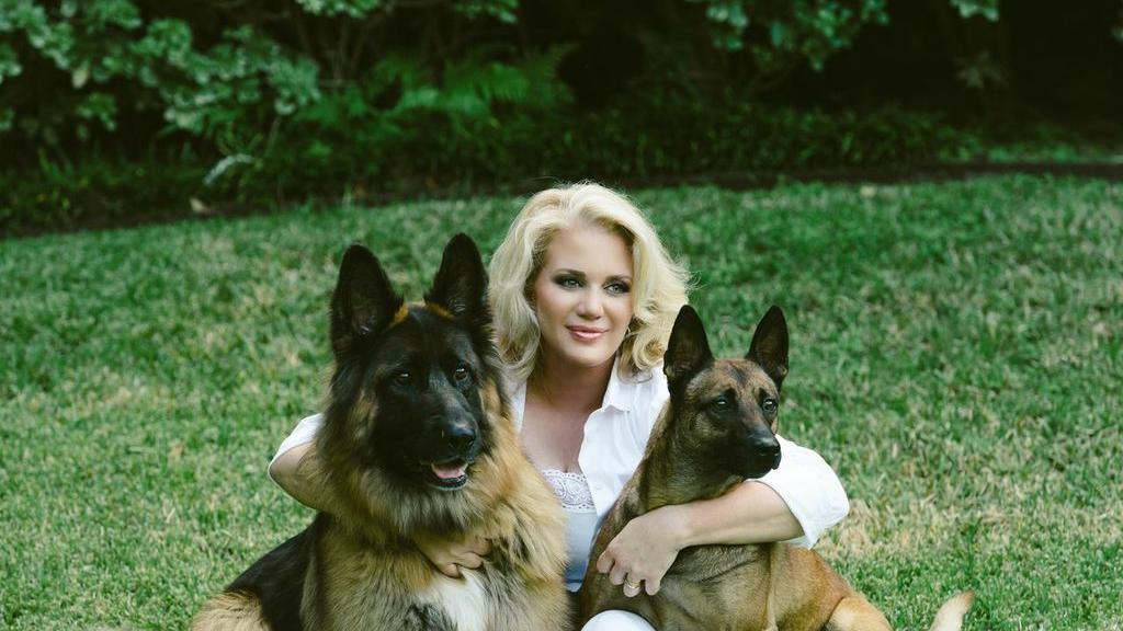 Houston s Kristi Schiller featured in People for K9s4COPS, her