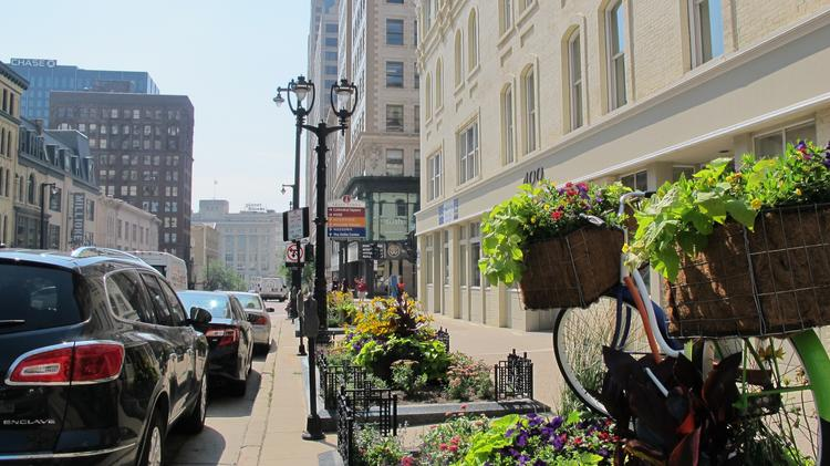 Downtown Milwaukee has many restaurants and stores for downtown workers' daily convenience, but few fashion retailers.