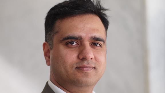 Nutanix, a San Jose virtualized storage company led by Dheeraj Pandey, has raised $140 million in new funding at a valuation of more than $2 billion.
