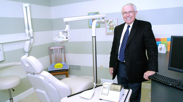 Dr. O. Wayne Mortenson and his wife, Sue Mortenson, plan to give the University of Louisville's School of Dentistry $5 million to create an endowment.