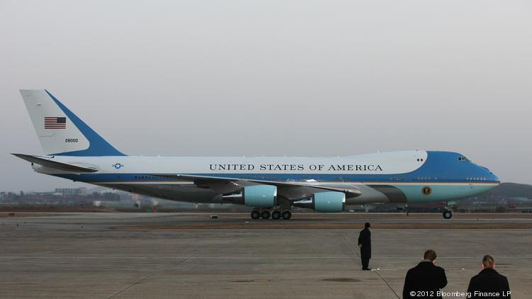 Air Force One, with U.S. President Barack Obama aboard, taxis on the tarmac at a U.S. military airbase in Osan, South Korea, on Sunday, March 25, 2012.