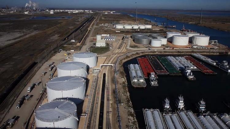 Houston-based Buckeye Partners LP (NYSE: BPL) will spend $860 million to acquire an 80 percent interest in an entity holding a Corpus Christi terminal complex and other assets from Trafigura AG.