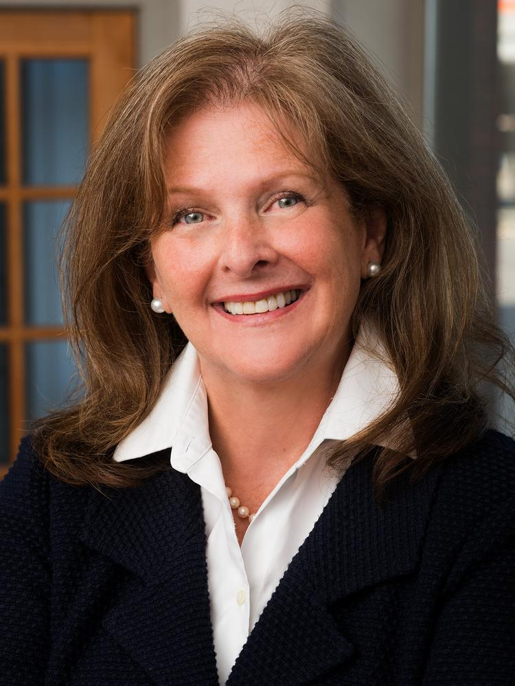 Linda Endecott has been named as the managing director of the Olin Business School Executive MBA program in Kansas City.
