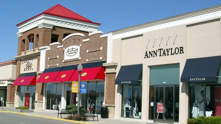 Rookwood Commons The Lifestyle Ping Center In Norwood Is Under Contract To Be Purchased