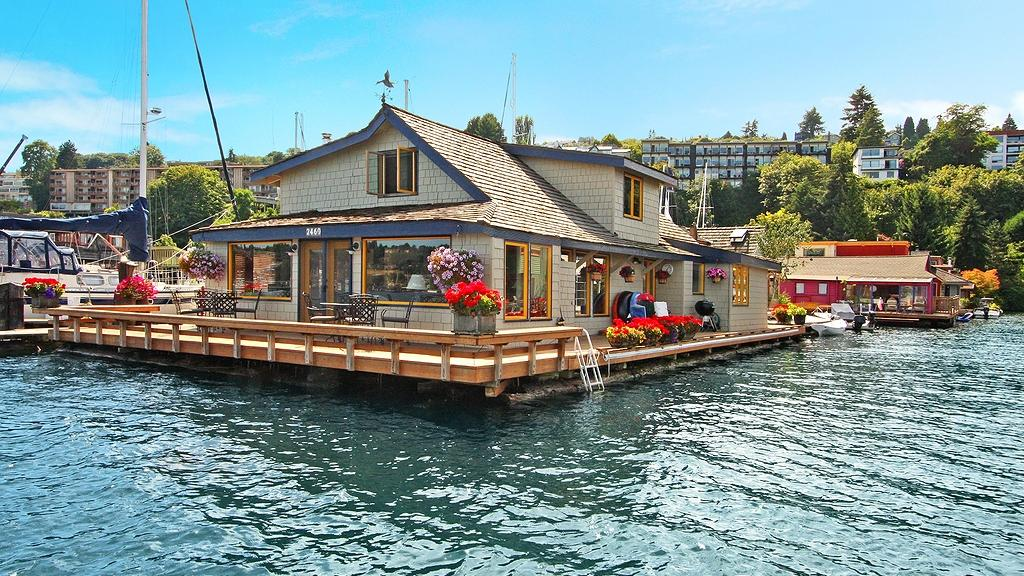 patti payne 39 s cool pads houseboat from sleepless in seattle sells for more than 2 million. Black Bedroom Furniture Sets. Home Design Ideas