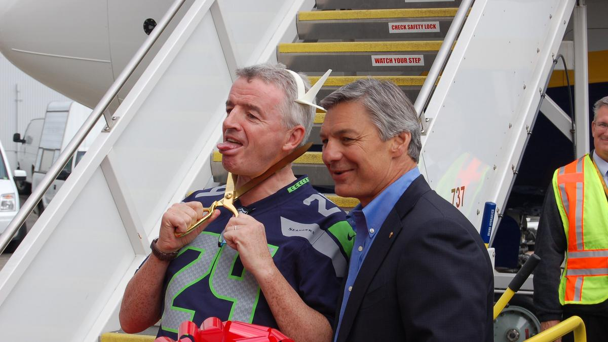 Ryanair CEO gets goofy at Boeing celebration, jokes he overpaid for