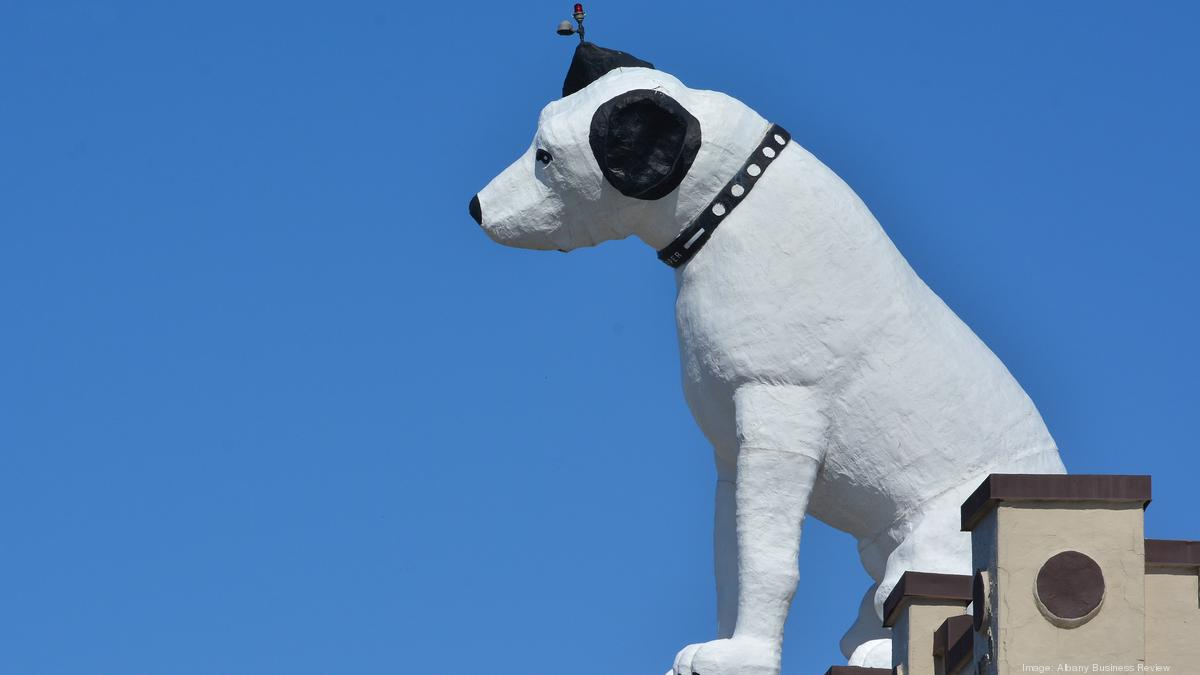 Albany New York S Iconic Nipper Building Put Up For