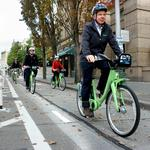 Gearing up: Mayor Murray, Alaska Airlines CEO Brad Tilden kick off Pronto bicycle-sharing service