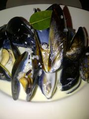 Local mussels with white wine and garlic