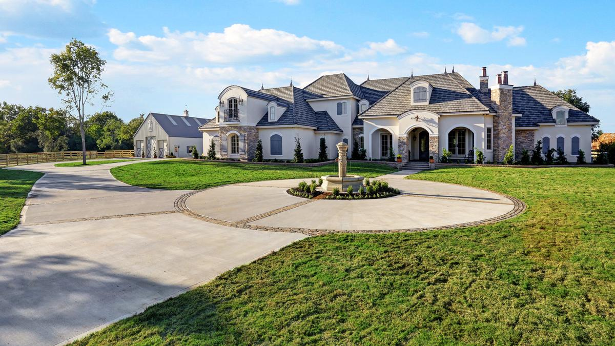 Houstonu0027s Luxury Home Market Booming, Report Says