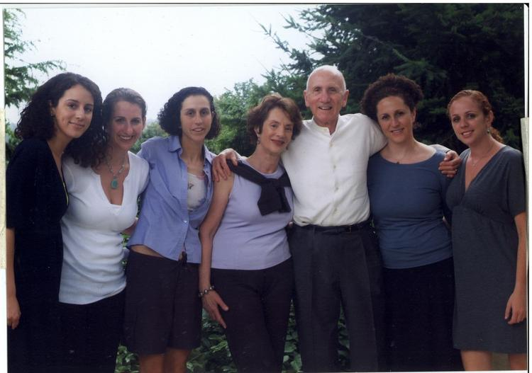Dr. Saul Rivkin with his wife and daughters. Left to right: Amy Germany, Heidi Rivkin, Rebecca Rivkin Joyce Rivkin (Saul Rivkin's current wife), Saul Rivkin, Melissa Rivkin, Jessica Rivkin.