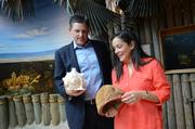 Charlie Freeman and Angela Salva check out the seashell collection. Should we sing the Little Mermaid song now?