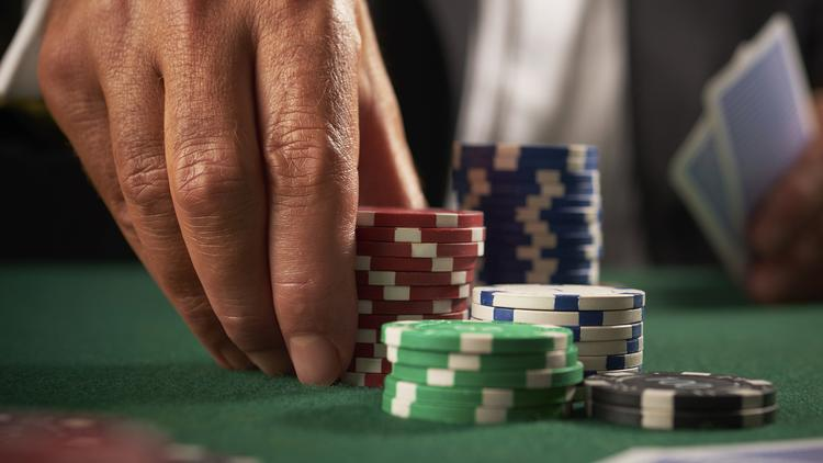A New York state panel voted to disqualify an application to build a $250 million casino in Amsterdam, New York Thursday evening.