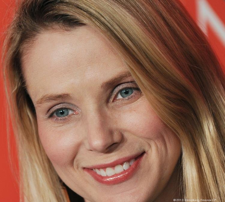 A group of investors are pressing Yahoo and CEO Marissa Mayer for more details on the exit of COO Henrique de Castro.