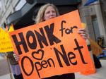 Appeals court upholds FCC's 'net neutrality' rule (and other news from Washington today)