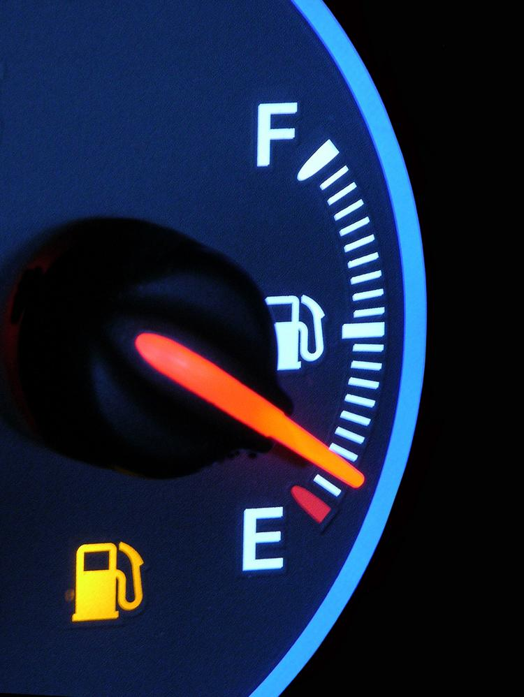 Gas prices in the Charlotte area declined slightly during the past week.
