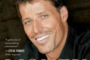 Tony Robbins' hands are still huge, but these investing tips might not be