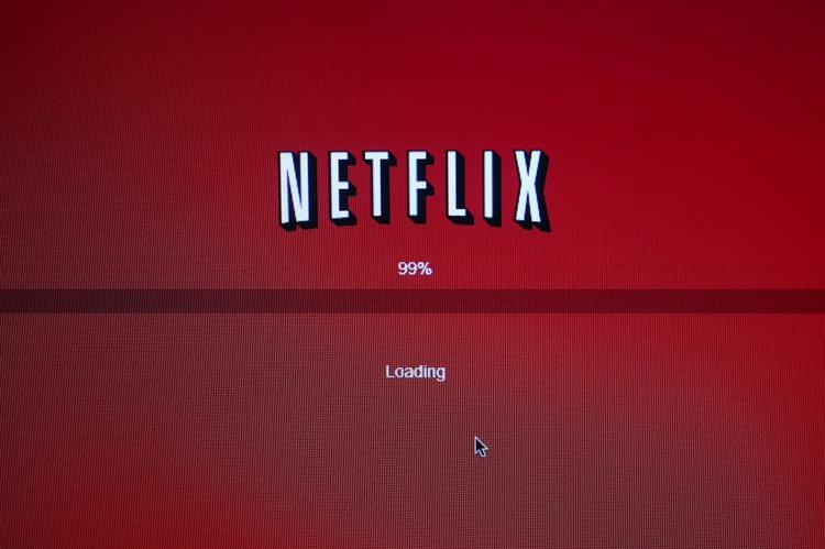 Netflix will pay Comcast to ensure its video content is seamlessly streamed to its viewers.