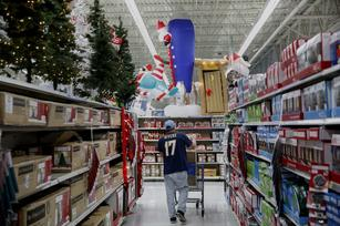 From deep discounts to Thanksgiving hours, are retailers actually benefiting?