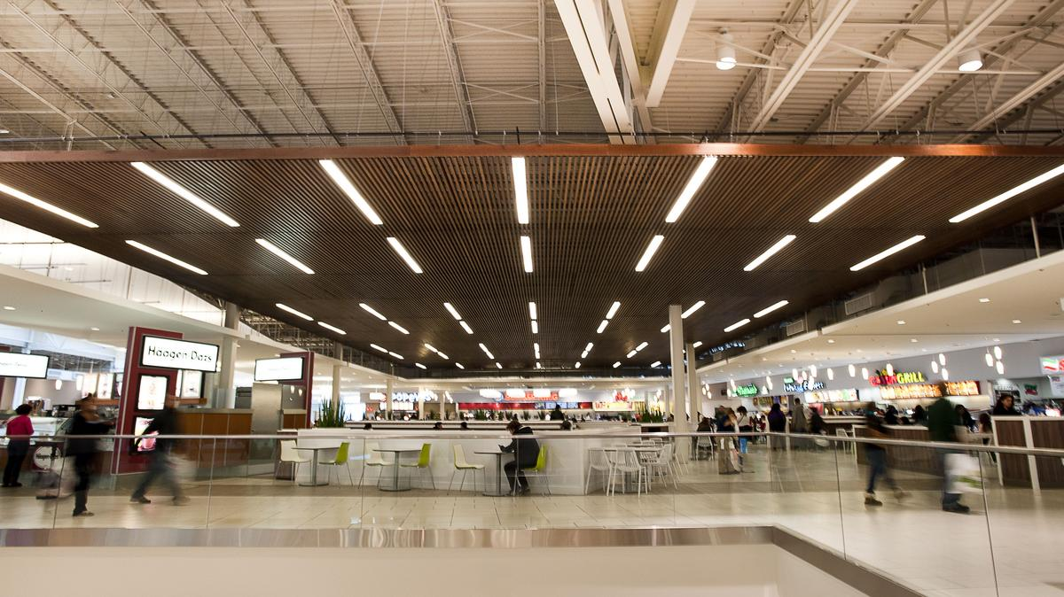 food courts go upscale as mall shoppers lose interest in fast fare columbus business first. Black Bedroom Furniture Sets. Home Design Ideas