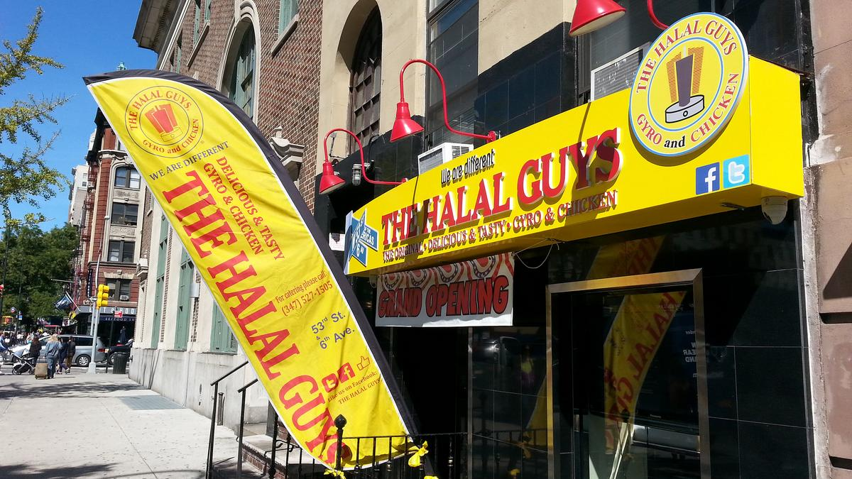 Blue apron halal - Halal Guys To Open First Franchise On Milwaukee S East Side New York Business Journal