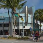 High rent squeezes out another retailer on Lincoln Road, <strong>Steve</strong> Madden moves in
