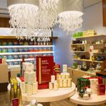 Starbucks says Seattle Teavana outlet is 'canvas' for future stores