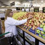 Sprouts' earnings continue steady climb in 4Q, '15
